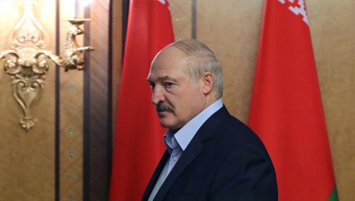 Лукашенко потребовал поставить на учет и заставить работать всех «тунеядцев»
