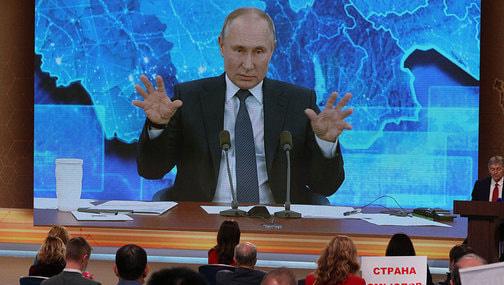Путин заявил о манипуляциях статистикой по зарплатам