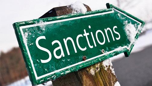 Говорили о тогда еще предстоящих санкциях и нашем госдолге