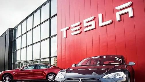 Продажи Tesla растут быстрее, чем компания успевает наладить сервис своих авто