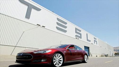 📉Акции Tesla упали более чем на 4% – начало расследования об автопилоте