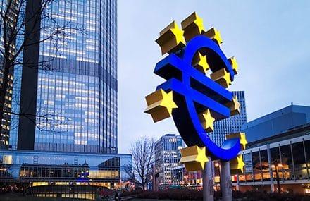 ЕЦБ решил перейти к «более низким темпам» покупок облигаций (QE)